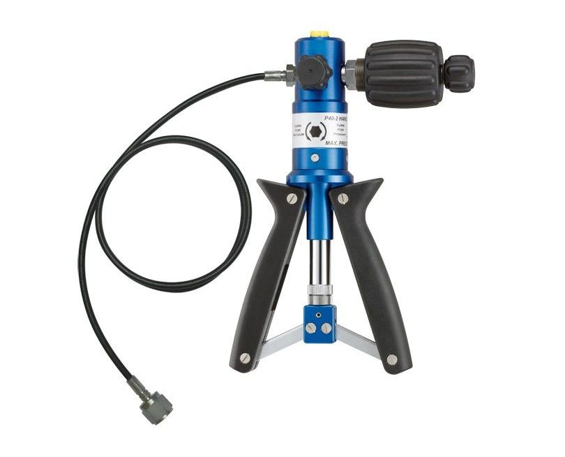 Pneumatic Hand Pumps (up to 60 bar max.)