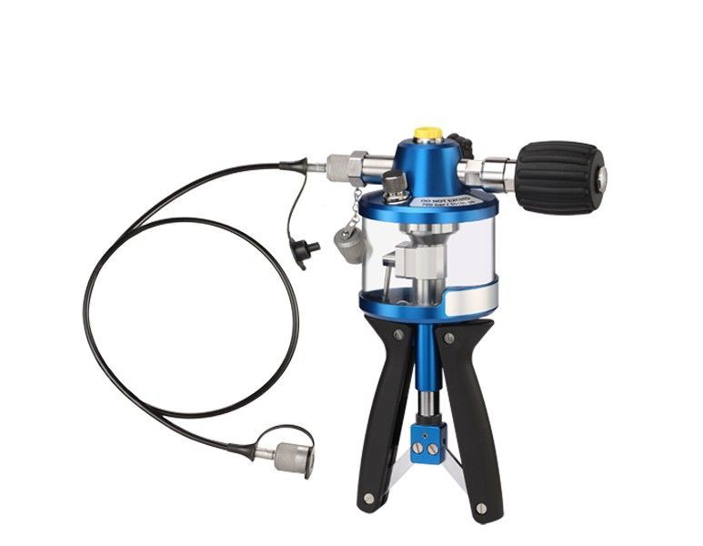Hydraulic Hand Pumps (up to 1000 bar max.)